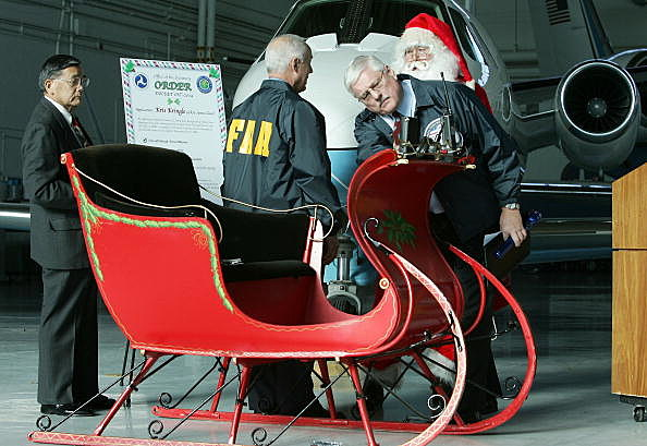 Santa Claus Gets FAA Inspection Of His Sleigh