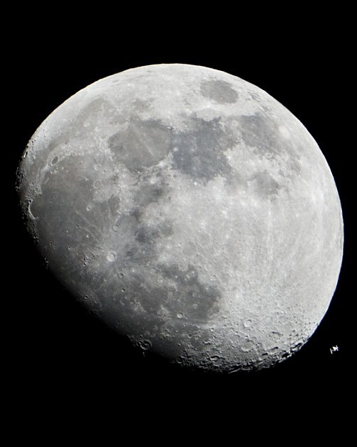 moon-international space station