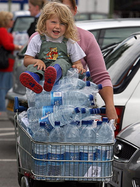 Child on Bottled Water (Getty)