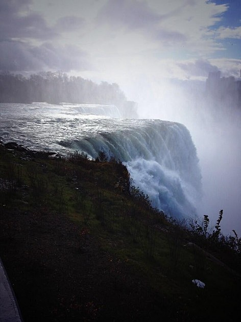 Niagara Falls (Heather Davis)