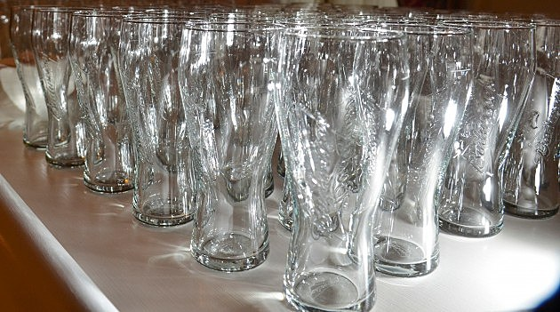 Beer Glasses (Getty)
